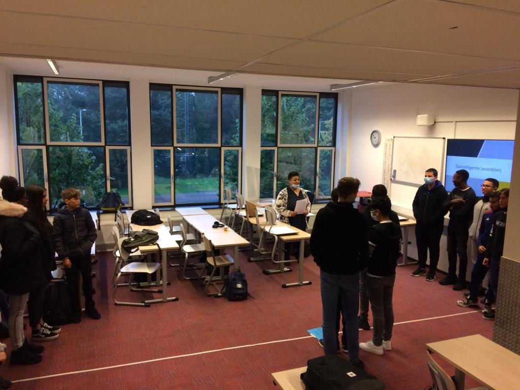 Eén van de workshops waar leerlingen aan meededen.